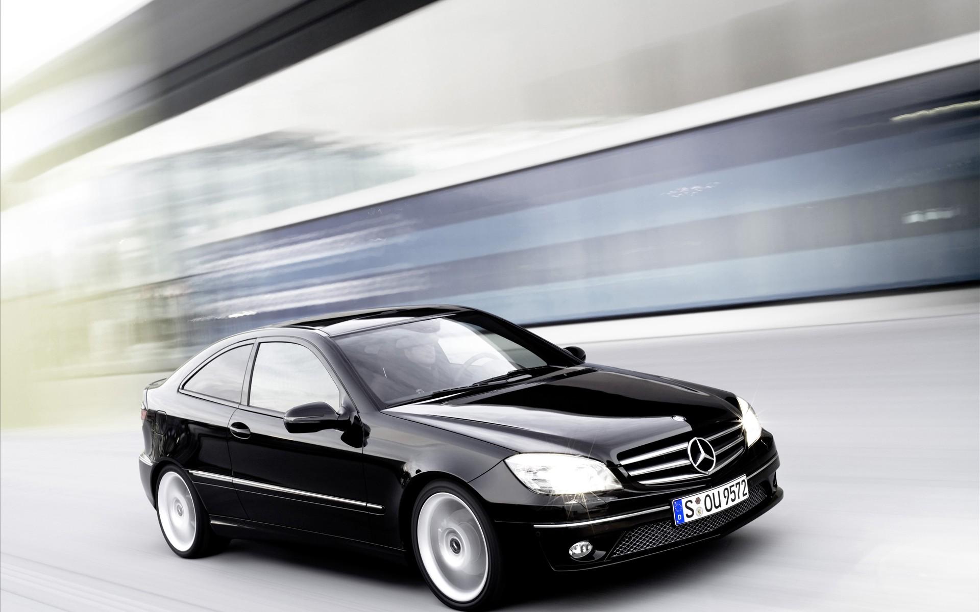 спортивный двухдверный хэтчбек Mercedes CLC